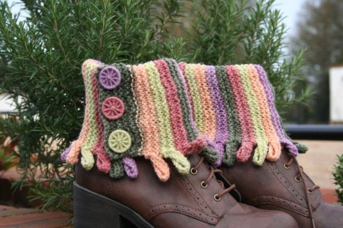 Curlyque Boot Cuffs, Knitting Pattern